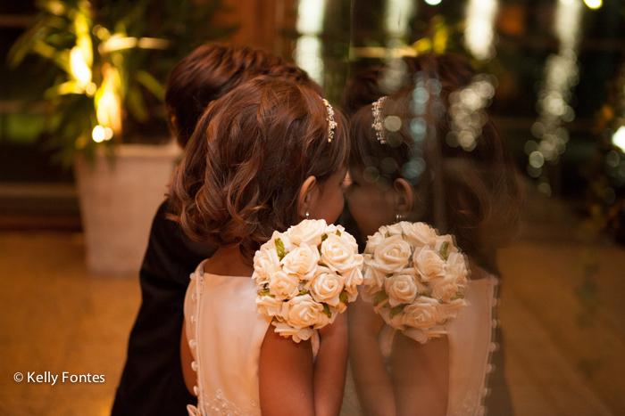 Fotografia casamento RJ Fotojornalismo de casamento Real Astoria daminha e pajem
