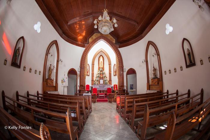 Fotografia evento RJfotos do batizado na Paróquia Nossa Senhora da Luz RJ - Padre Marcelo de Assis Paiva