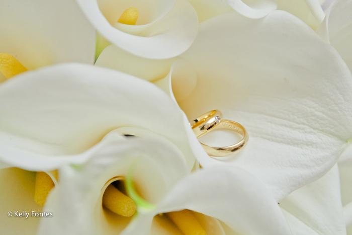 Fotografia casamento civil RJ foto casamento civil RJ por Kelly Fontes buque e alianças