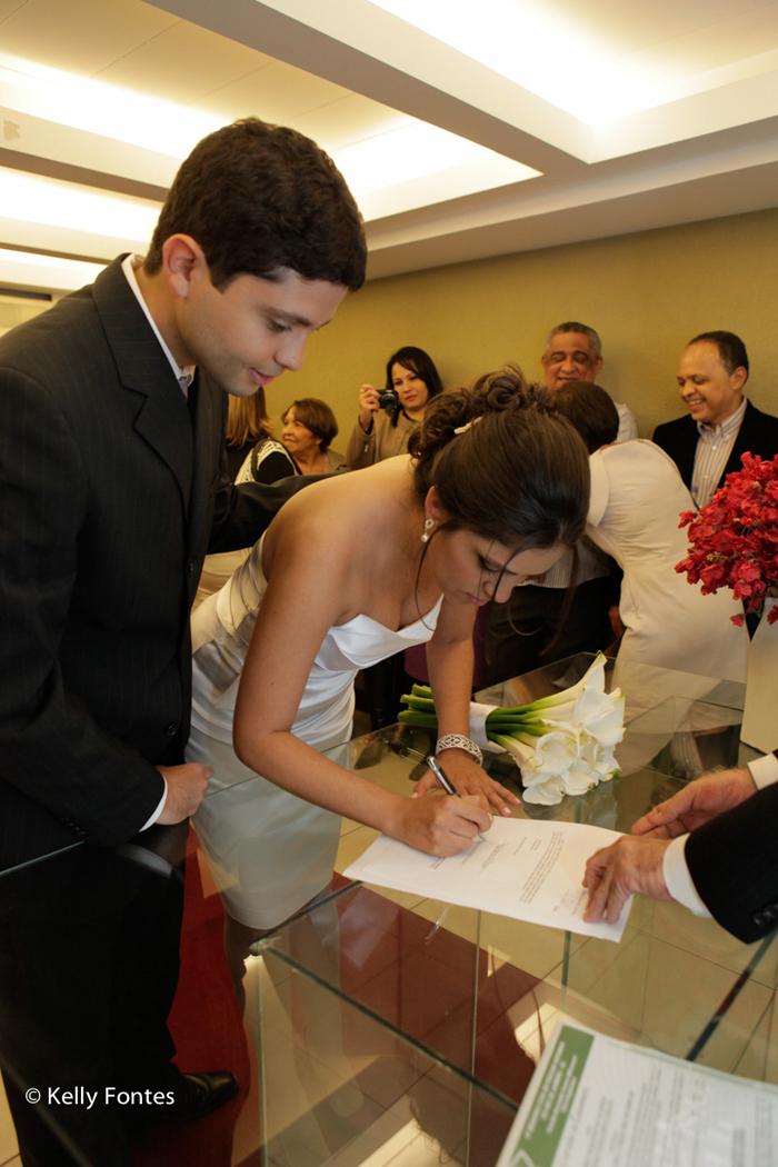 http://www.kellyfontes.com.br/fotos-casamento-civil-rj-carina-e-fabio/