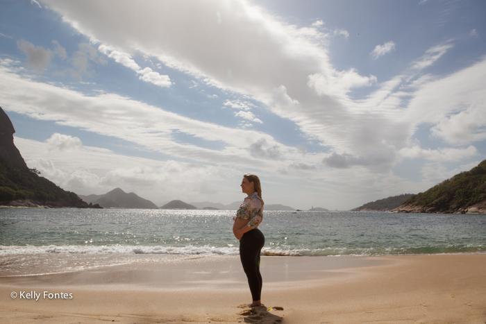 foto gestante RJ praia Izaura por Kelly Fontes fotografia
