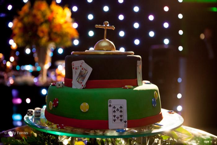 Fotografia festa de aniversário surpresa RJ bolo de roleta