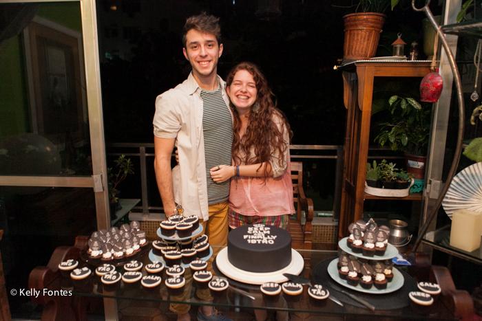 Fotos festa de 18 anos RJ aniversário surpresa mauricio mesa do bolo