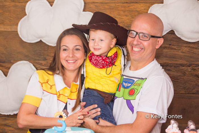 foto de festa infantil rj Bento 3 anos mesa do bolo com os pais fotografia por Kelly Fontes