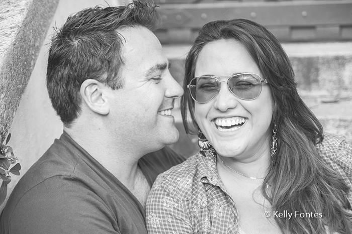book gestante RJ mamae e papai sorrindo no ensaio de fotos Urca por Kelly Fontes Fotografia