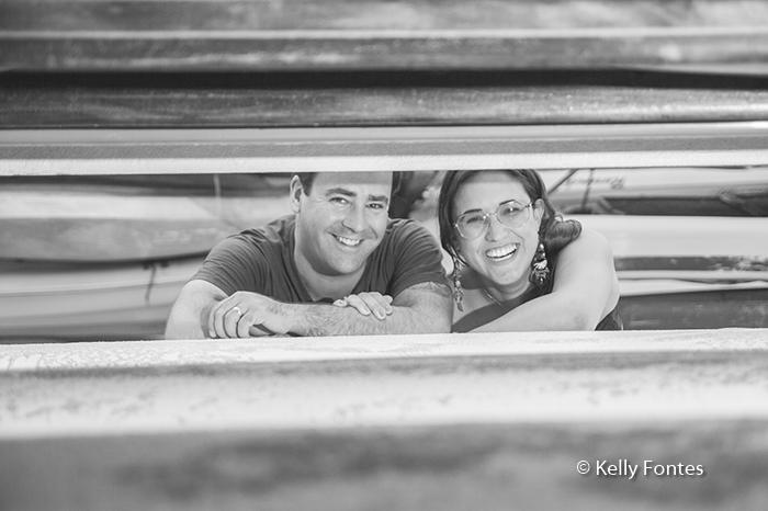 book gestante RJ mae e pai sorrindo no ensaio de fotos Urca por Kelly Fontes Fotografia
