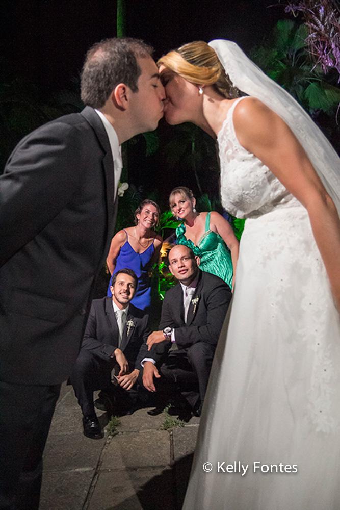 Fotos Casamento RJ beijo dos noivos por Kelly Fontes Fotografia