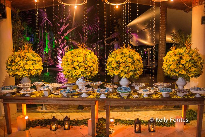 Fotos Casamento RJ decoração da mesa do bolo noivos por Kelly Fontes Fotografia