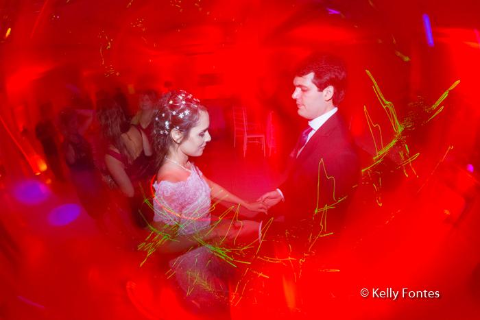 Fotos Festa de Casamento RJ noivos na pista de dança por Kelly Fontes Fotografia