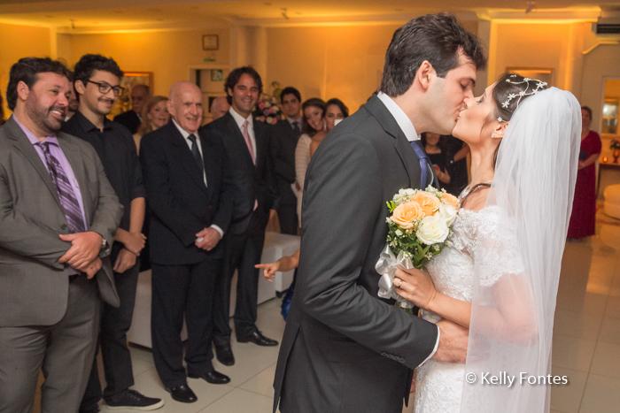 Fotos Casamento RJ o beijo dos noivos por Kelly Fontes Fotografia