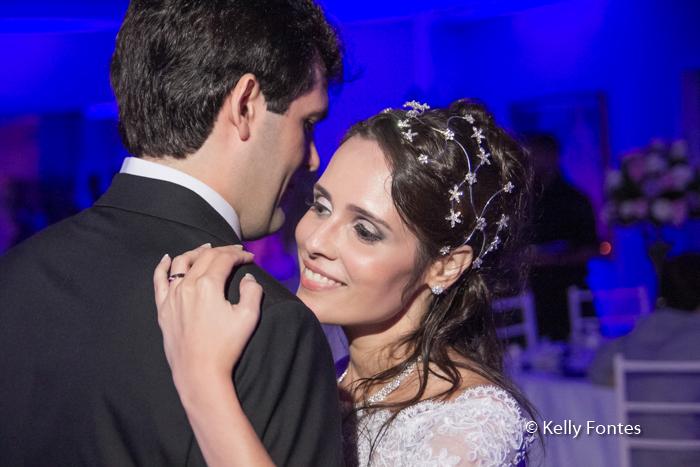 Fotos Festa de Casamento RJ noiva na pista de dança por Kelly Fontes Fotografia