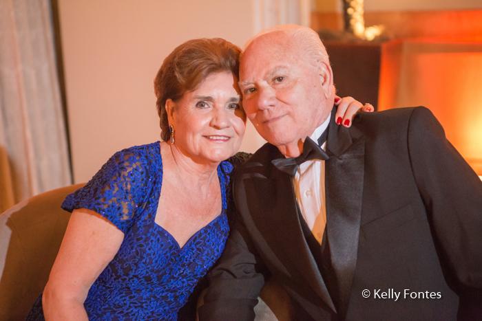 fotografia-festa-aniversario-RJ-80-anos-José-Windsor-Copacabana-casal-por-Kelly-Fontes