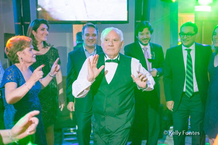 fotografia-festa-aniversario-RJ-80-anos-José-Windsor-Copacabana-dançando-na-pista-por-Kelly-Fontes
