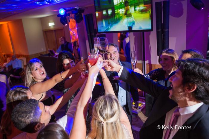 fotografia-festa-aniversario-RJ-brinde-80-anos-José-Windsor-Copacabana-brindando-por-Kelly-Fontes