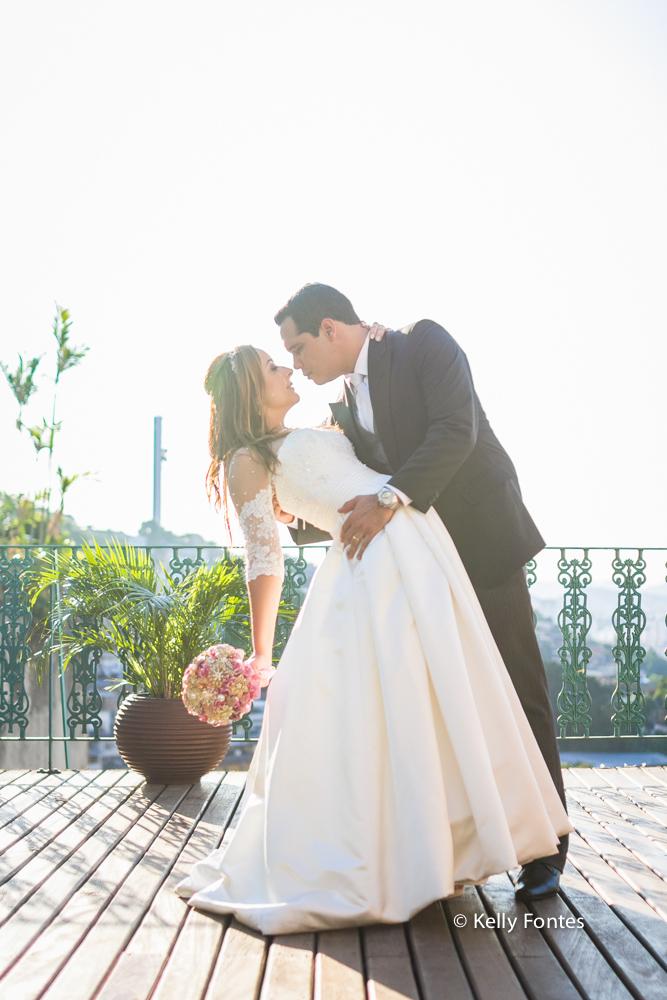 Fotografia Casamento RJ ensaio dos noivos recém casados Igreja Jardim das Orações por Kelly Fontes Santa Teresa