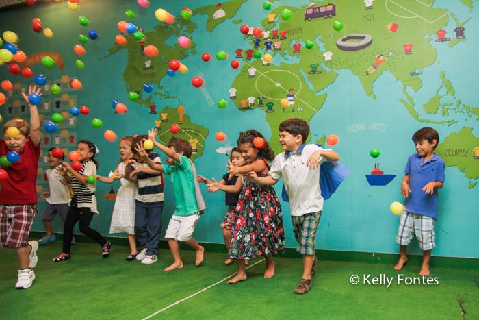 Fotografia festa infantil RJ - Os Vingadores e Frozen - Foto de criança brincando, Na Moitta Itanhangá RJ
