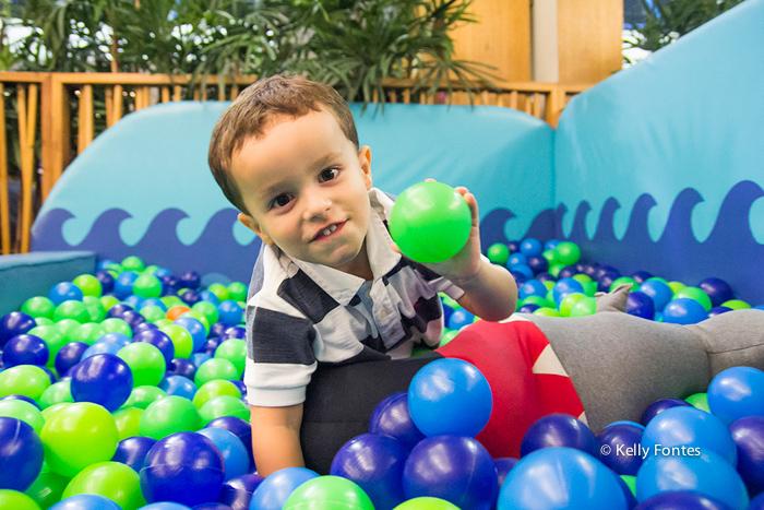 Foto festa infantil RJ Liga da Justiça por Kelly Fontes piscina de bolinha