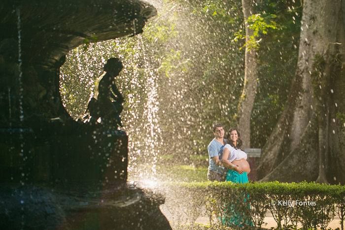 book gestante rj por Kelly Fontes ensaio mamae gravida com papai no chafariz Jardim Botanico