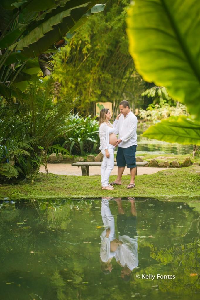 Book Gestante RJ Jardim Botanico Jana com marido fotos gravida no lago lagoa parque