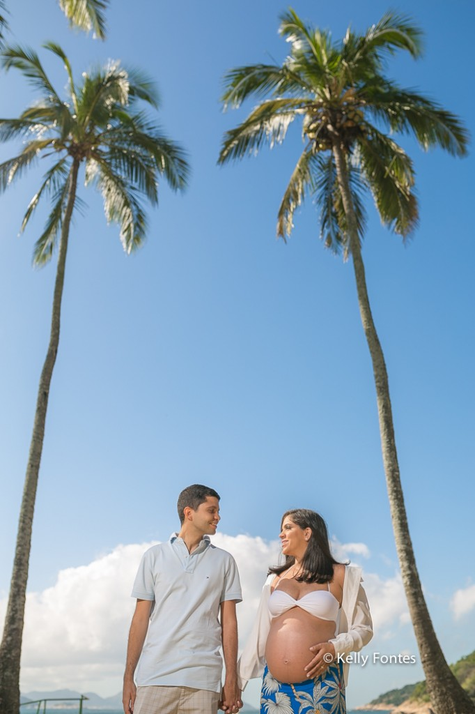 book gestante RJ Praia Vermelha Urca Carina Rio de Janeiro foto gravida com marido coqueiros