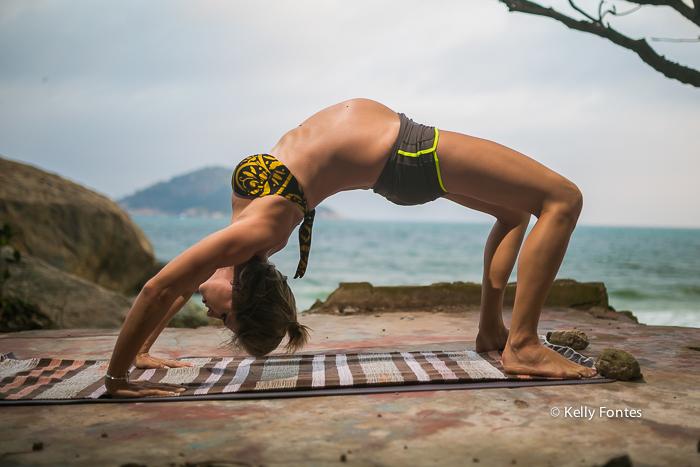book-gestante-rj-ioga-yoga-ponte-arco-shirshasana-fotos-gravida-por-kelly-fontes-fotografia