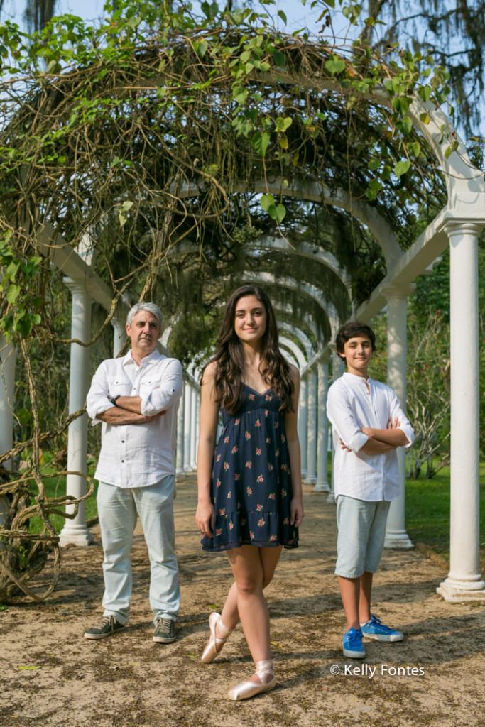 Book 15 anos RJ Luisa ensaio debutante com a família pai e irmão jardim botanico