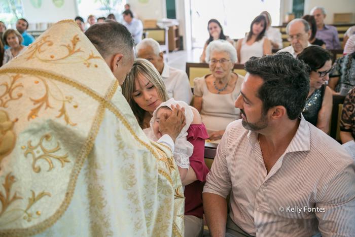 Fotos Batismo barra da tijuca peninsula capela santo antonio padre abençoando RJ