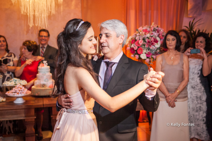 Fotos festa 15 anos debutante dançando valsa com o pai rio de janeiro RJ Kelly Fontes
