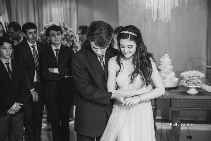 Fotografia festa 15 anos debutante dançando valsa com o principe irmão rio de janeiro RJ Kelly Fontes