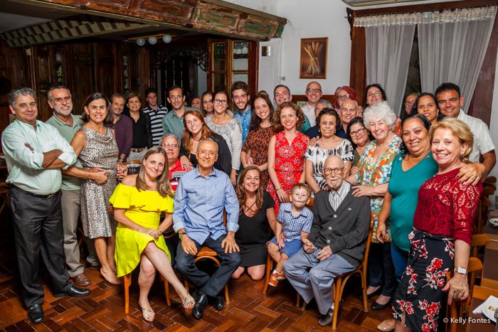 Fotografia festa 100 anos RJ Julio naked cake na mesa do bolo de aniversário do patriarca parabéns Escola do Pão Jardim Botânico
